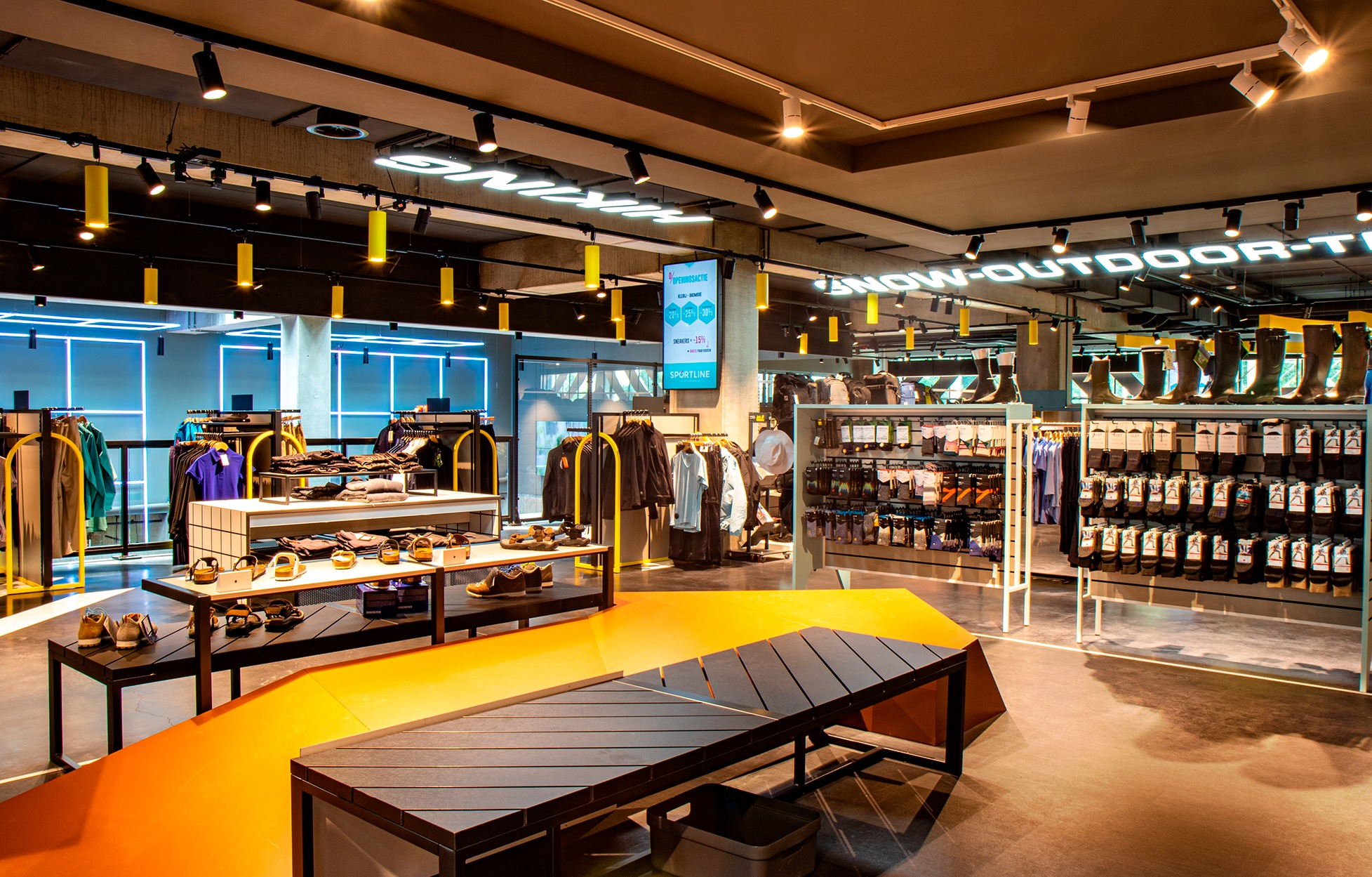 Lighting for the outdoor department of Sportline Roeselare.